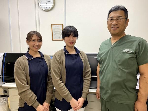 たかはし歯科医院の高橋院長、鈴木技工士、大内技工士